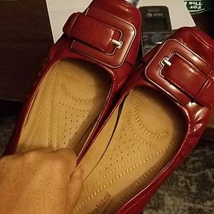 Naturalizer N5 8.5 patent leather red flats